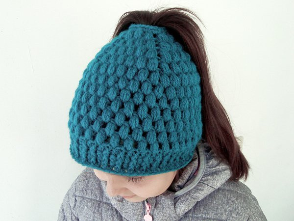 Messy bun hat with bubbles Ponytail beanie for girls and