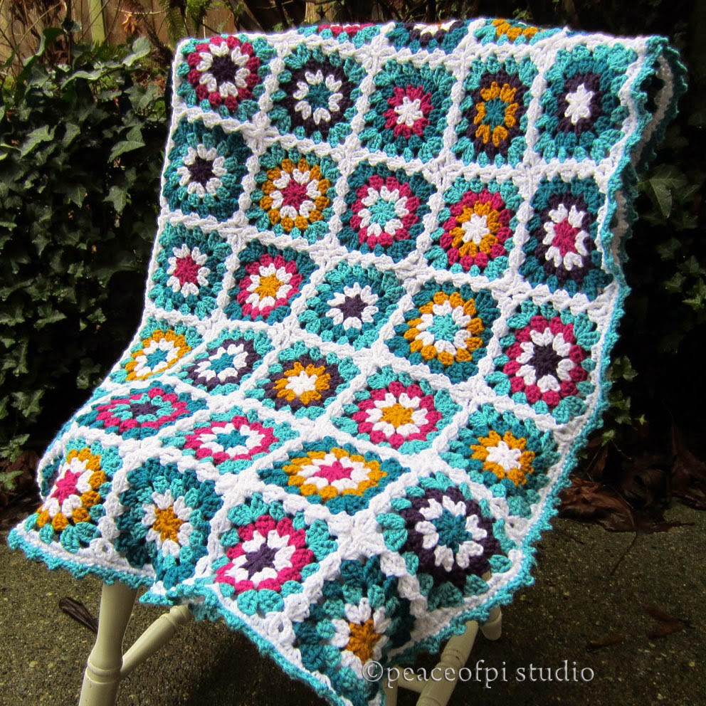 peaceofpi studio Crochet Granny Square Flower Blanket