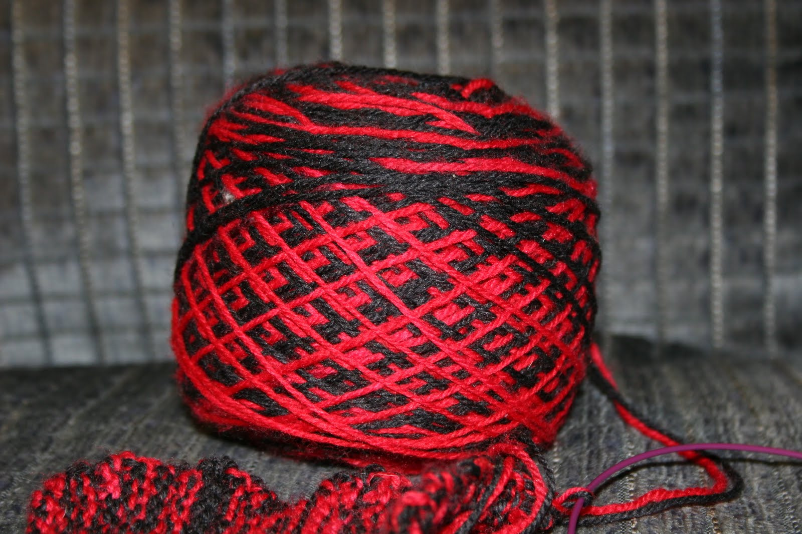 Best Of Reading Crafting Baking Catching Up Red and Black Variegated Yarn Of Great 49 Pictures Red and Black Variegated Yarn