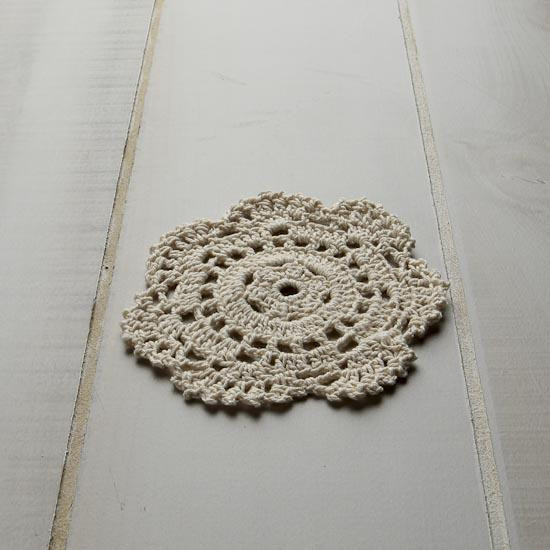 SIMPLE CROCHETED DOILY PATTERNS – Easy Crochet Patterns