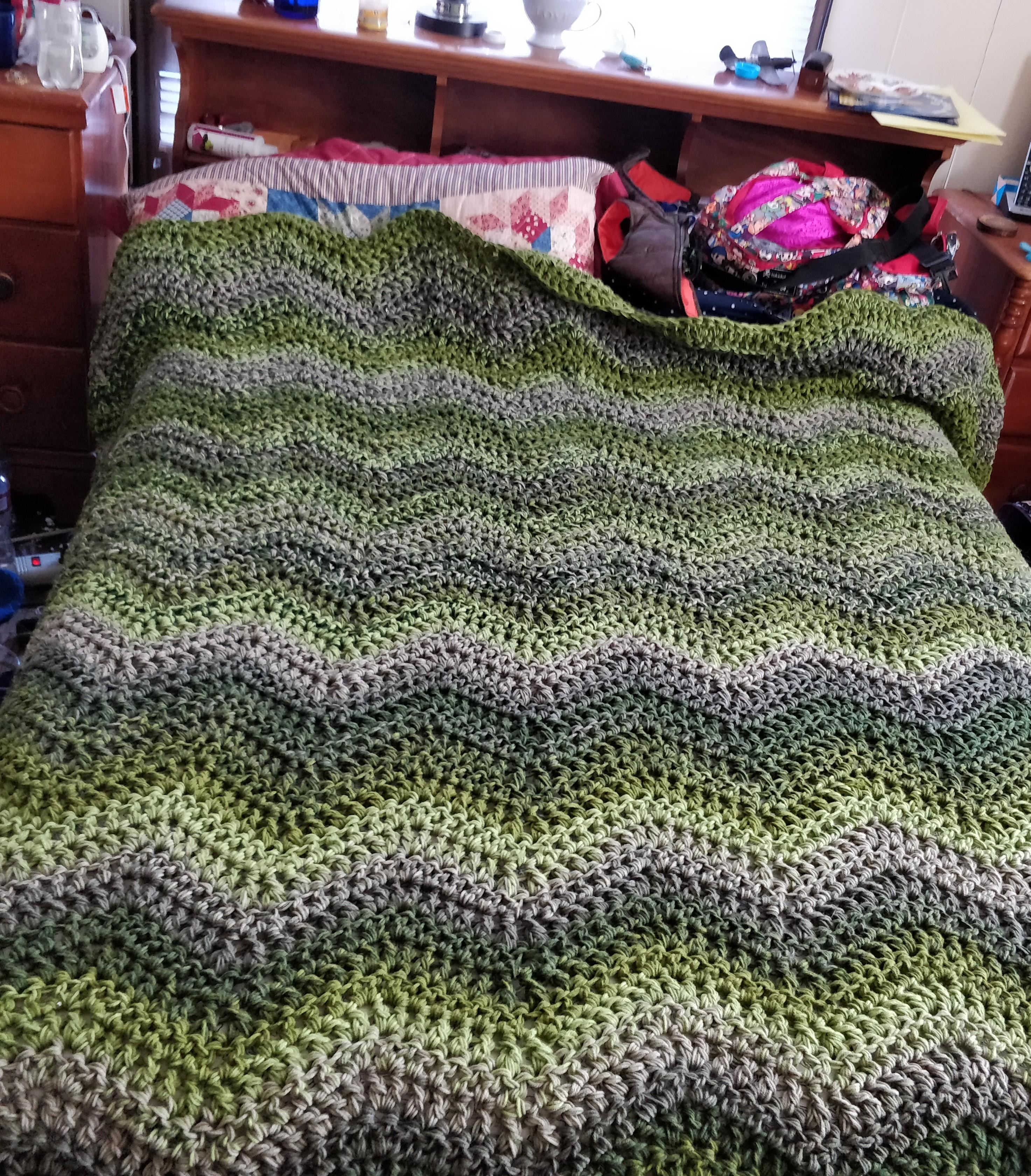 Best Of Three Strand Ripple Afghan In Caron Big Cakes Mint Fudge Caron Big Cakes Patterns Of Awesome 46 Pics Caron Big Cakes Patterns