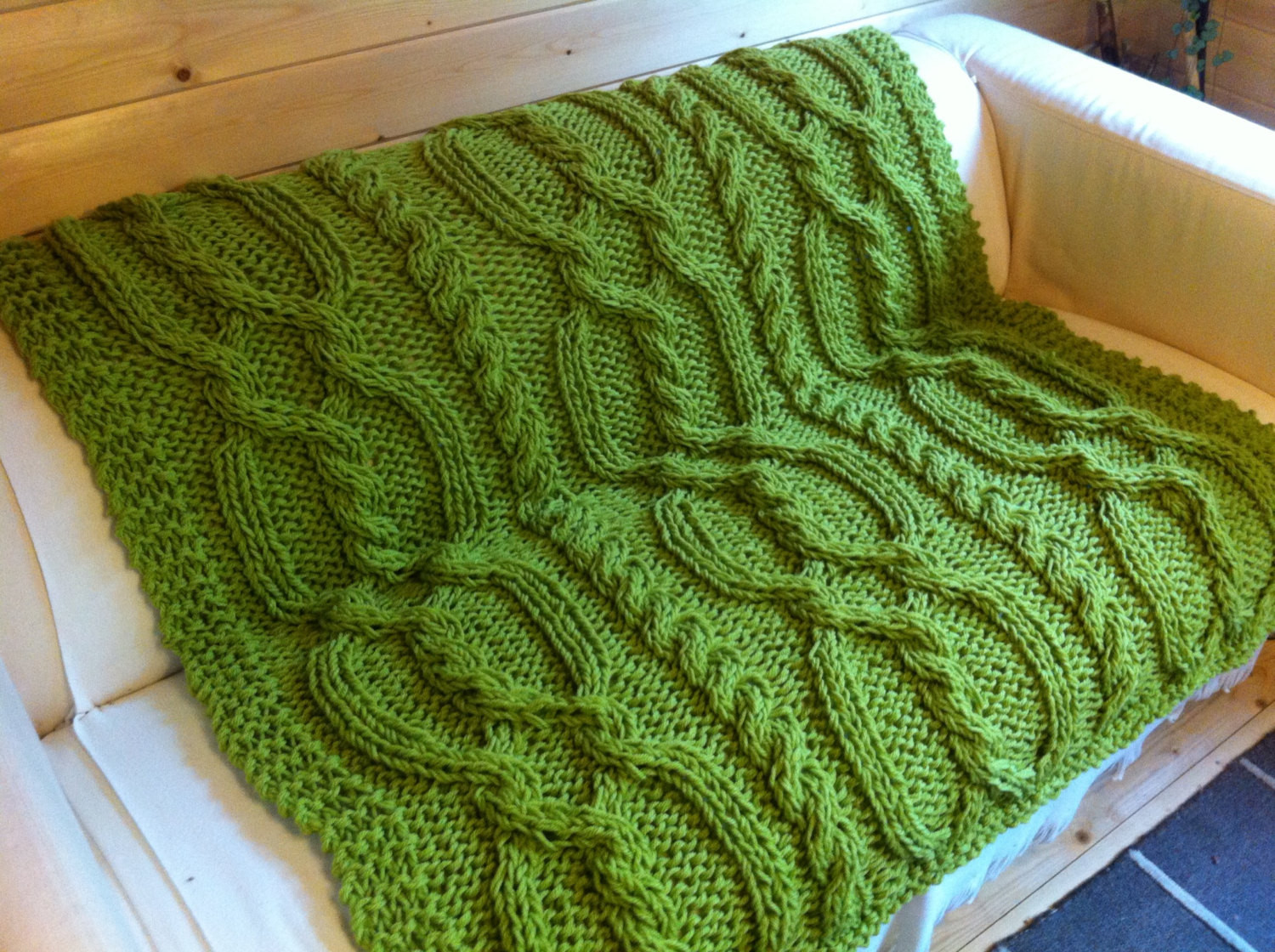 snuggly cable blanket throw knitting