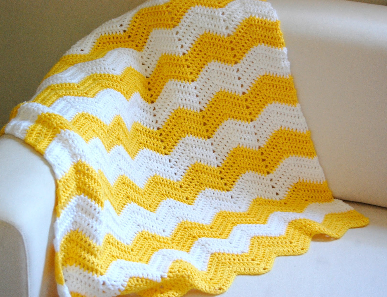 Chevron Baby Blanket Unique Hopscotch Lane Yellow and White Chevron Blanket Of Attractive 49 Pics Chevron Baby Blanket