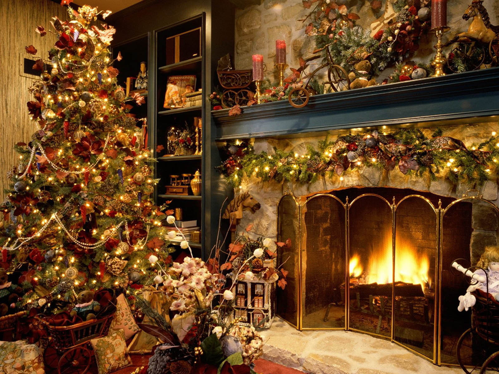 Christmas Decoration Ideas Lovely Wallpaper Christmas Tree Decoration Of Amazing 45 Photos Christmas Decoration Ideas