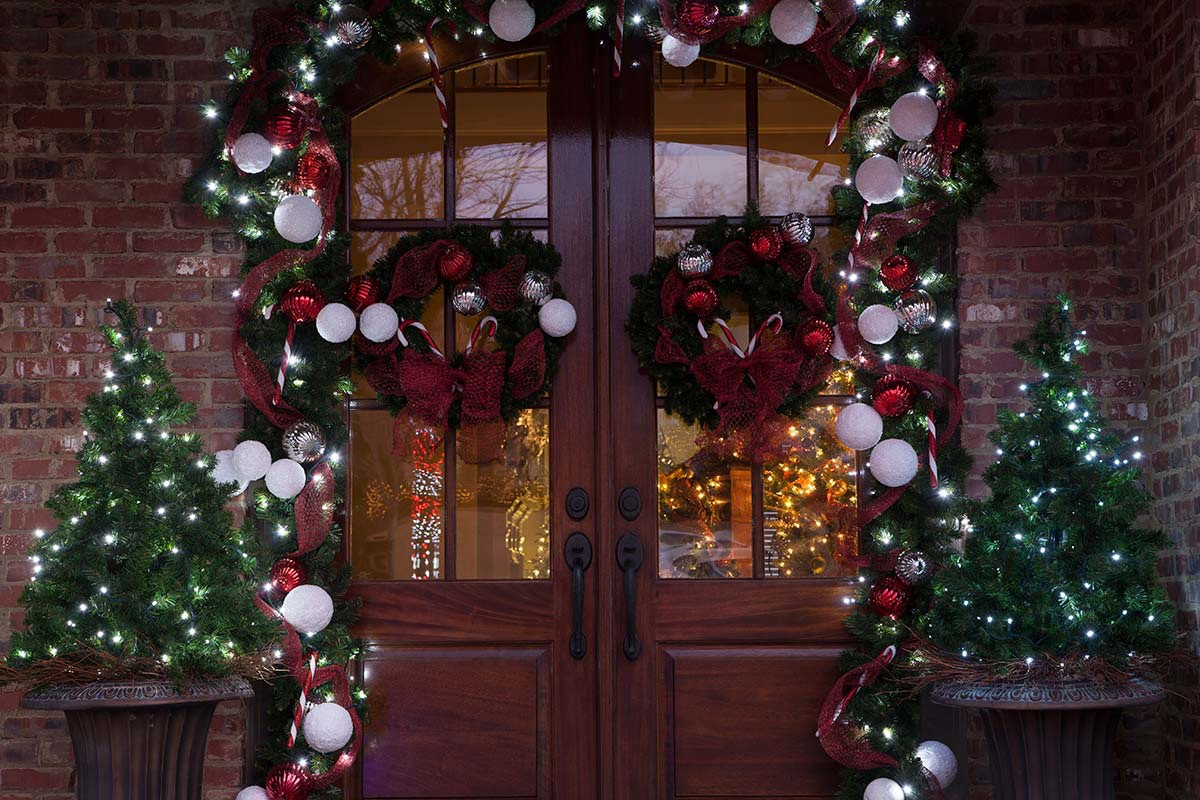 Christmas Decorators Beautiful How to Decorate with Christmas Greenery Of Christmas Decorators New 46 Beautiful Christmas Porch Decorating Ideas — Style Estate