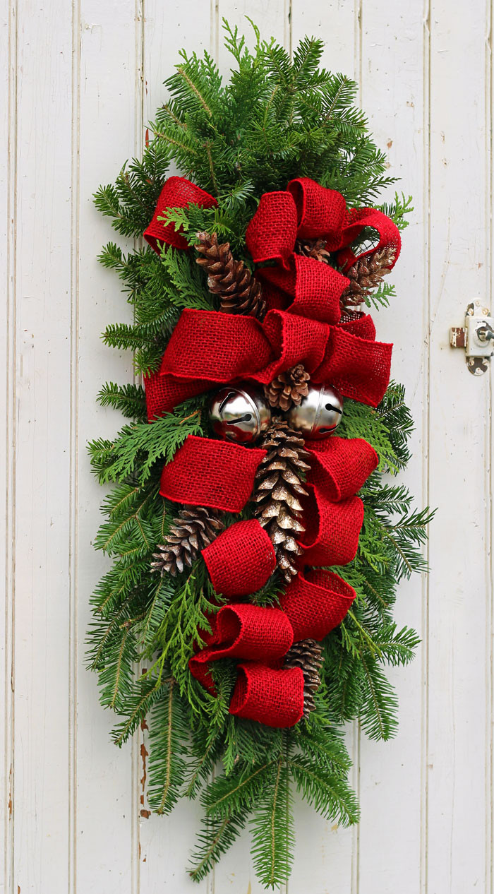 Christmas Decorators Inspirational How to Make A Christmas Swag Fynes Designs Of Christmas Decorators New 46 Beautiful Christmas Porch Decorating Ideas — Style Estate