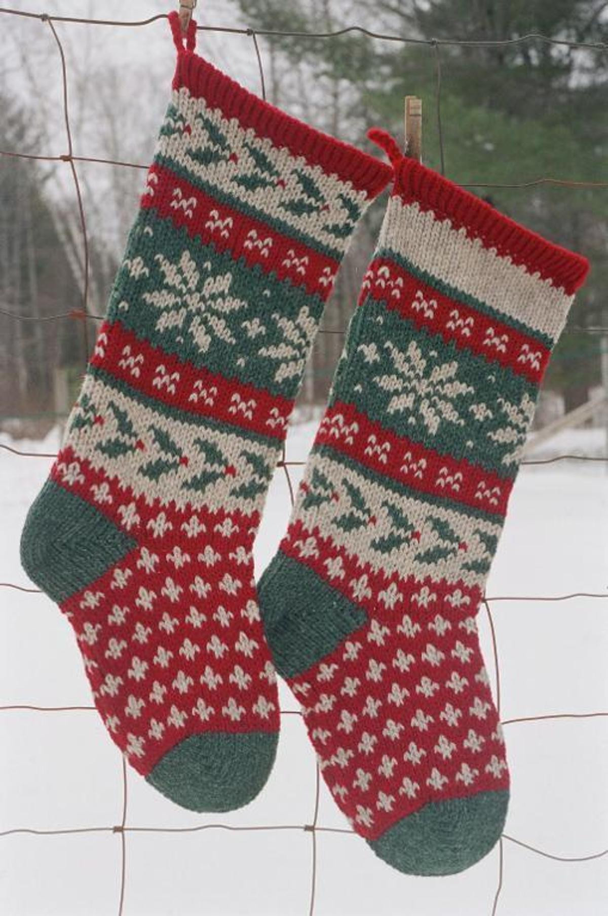 Christmas Knitting Patterns Elegant Holly Christmas Stocking Knitted Of Contemporary 44 Pics Christmas Knitting Patterns
