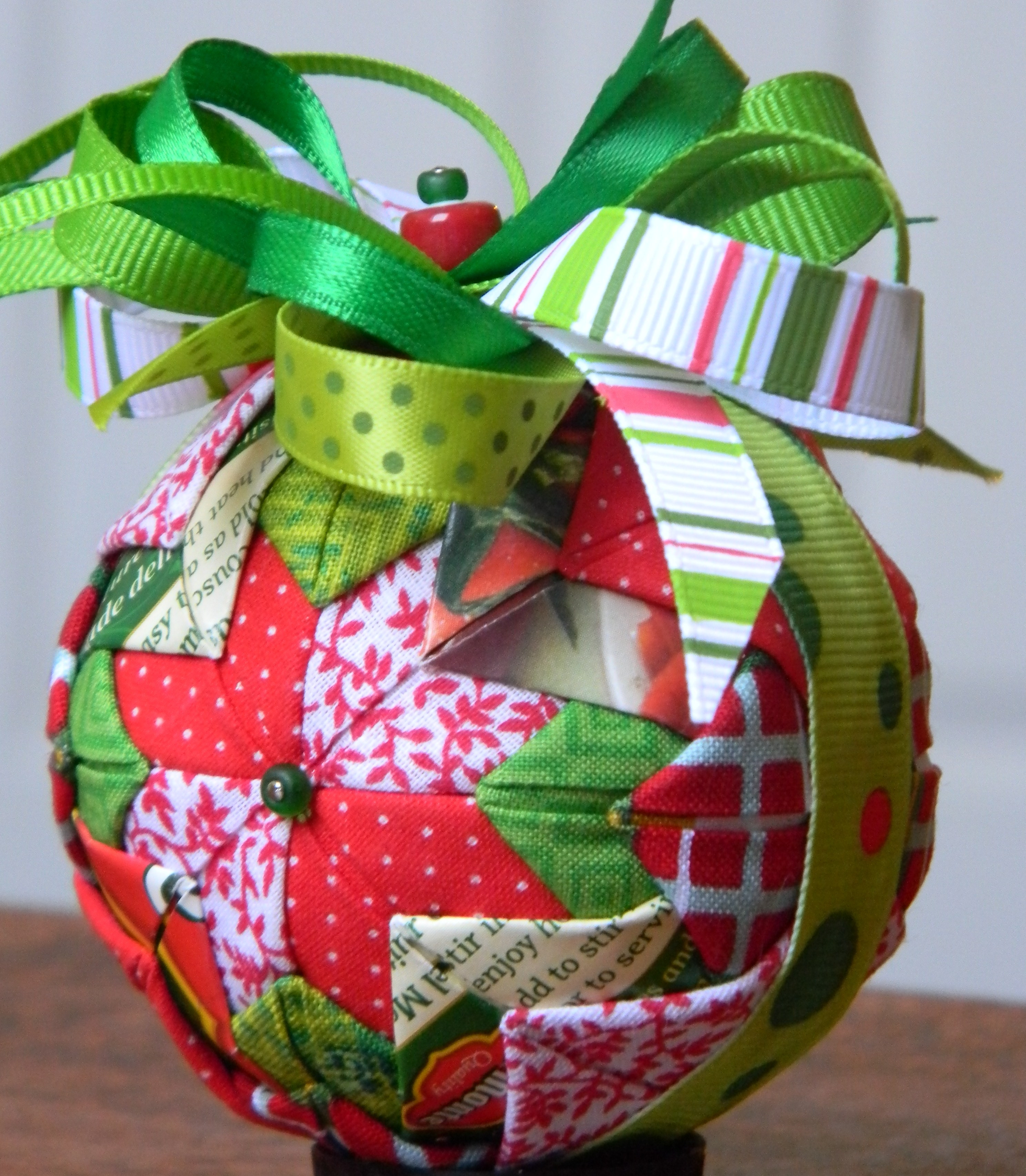 A Holiday Ecology Christmas Tree Ornaments from Recycled