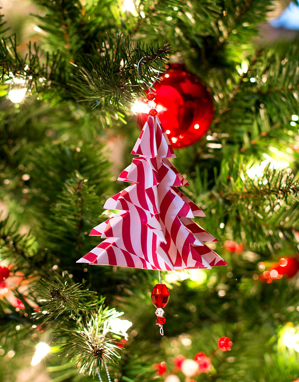 Christmas Tree ornaments New 25 Easy Paper Christmas ornaments You Can Make at Home Of Delightful 42 Pics Christmas Tree ornaments