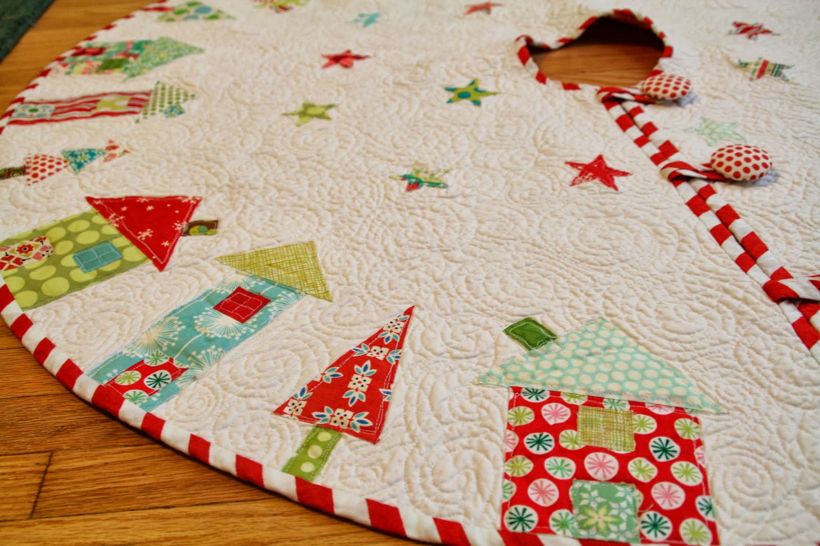 Christmas Tree Skirt Pattern Luxury Quilted Christmas Tree Skirt Tutorials I Want to Try Of Top 49 Images Christmas Tree Skirt Pattern