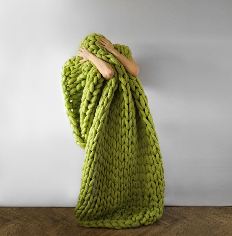 Chunky Wool Beautiful 'chunky Knits' by Anna Mo Incorporate Enormous Stitches to Of Luxury 47 Pics Chunky Wool