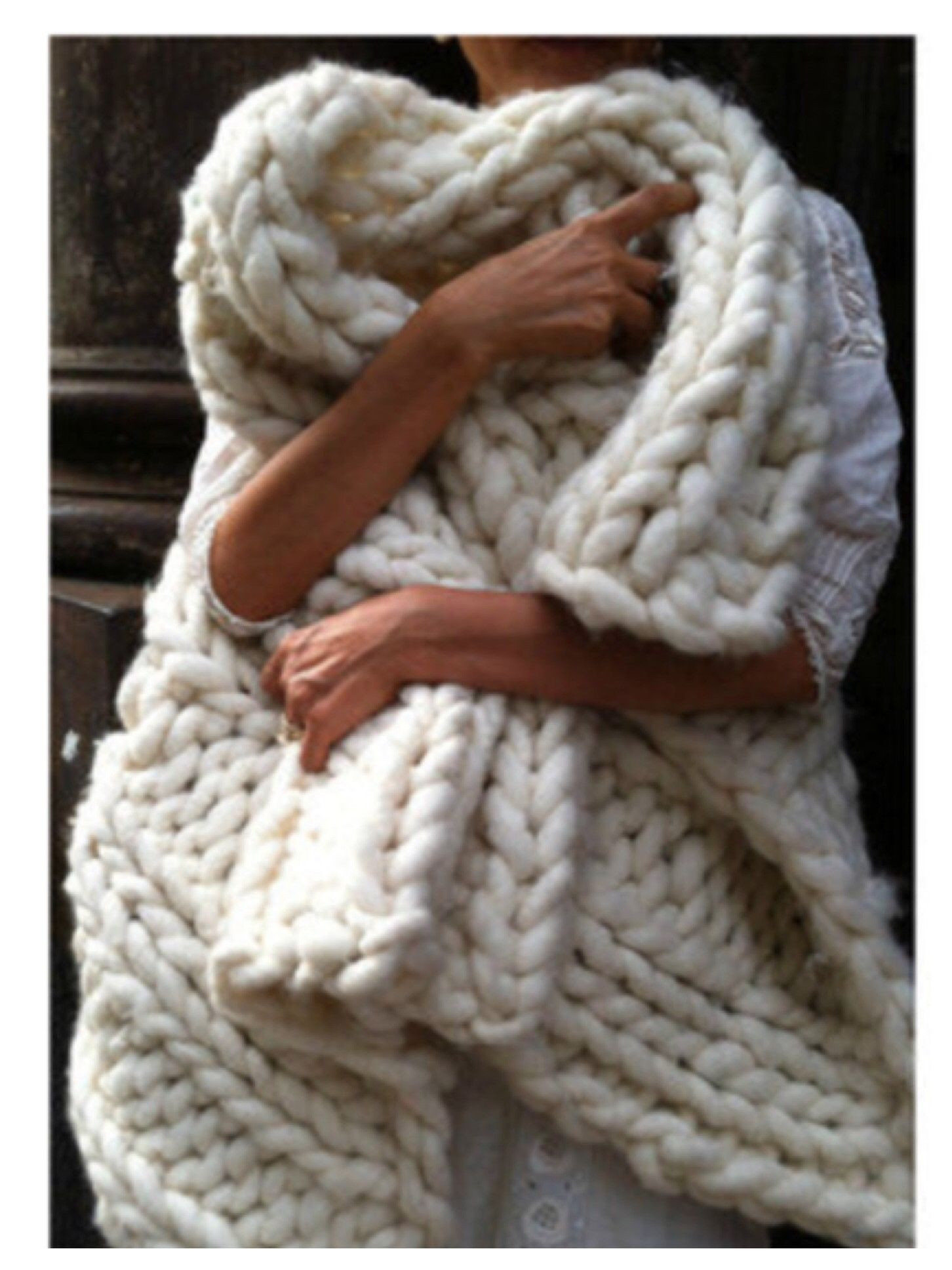 Chunky Wool Blanket Fresh who Wouldnt Want to Wrap Up In This Giant Hand Knit Beauty Of Incredible 43 Pictures Chunky Wool Blanket