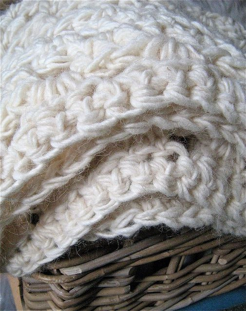 Chunky Yarn Crochet Patterns Elegant 1000 Ideas About Chunky Crochet Blankets On Pinterest Of Amazing 46 Photos Chunky Yarn Crochet Patterns