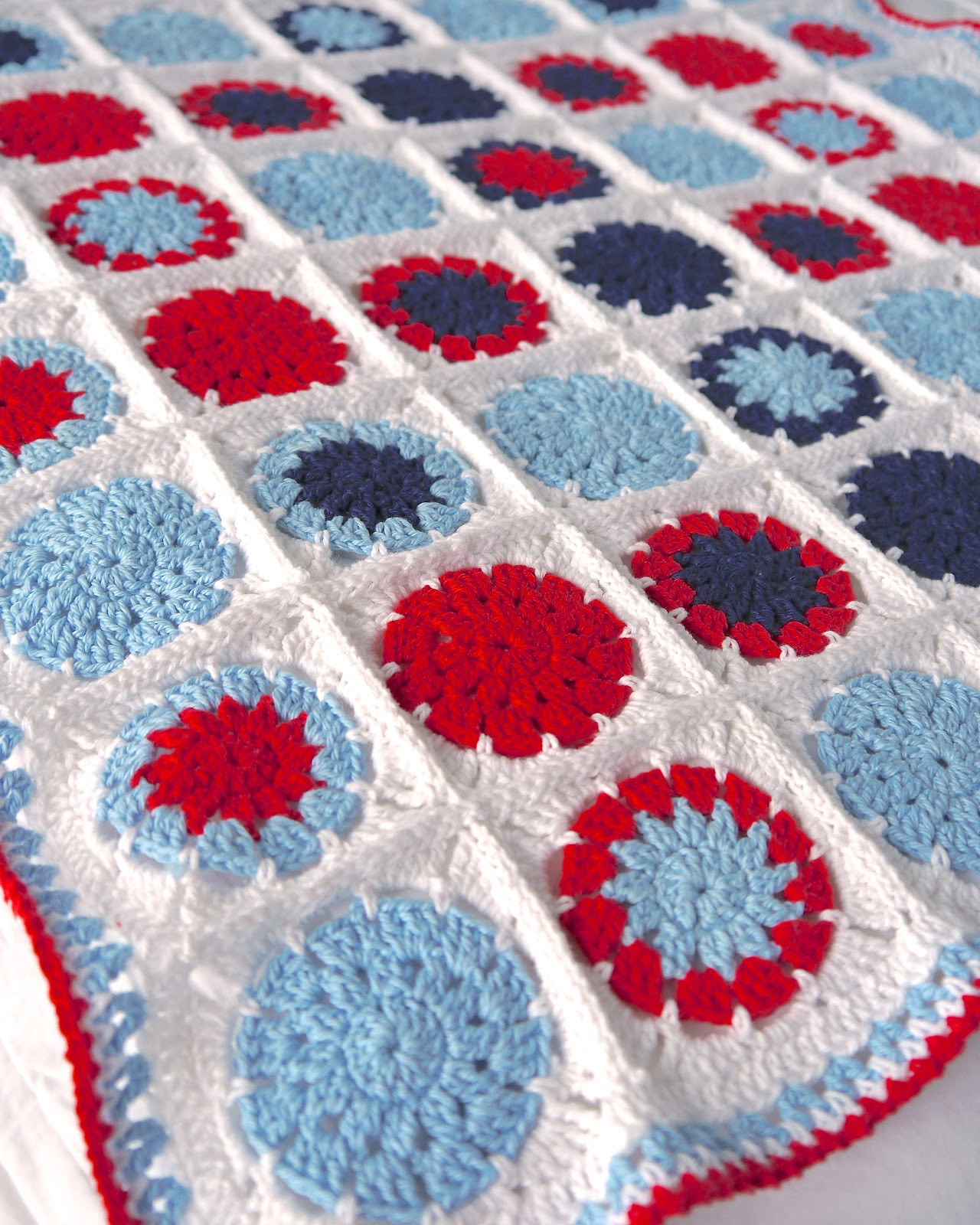 Make it Crochet Cotton Baby Blanket circle in square