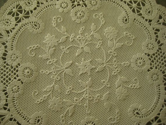 Colored Doilies Inspirational Vintage Ivory Colored Paper Doilies In original Box Of Gorgeous 42 Pics Colored Doilies