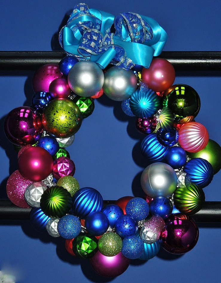 Colorful Christmas ornaments Lovely How to Make Easy Colorful Holiday Wreath or Garland Of Perfect 48 Pictures Colorful Christmas ornaments