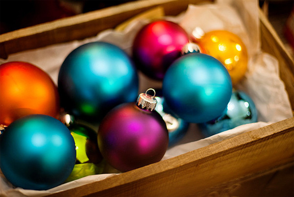 amazing and colorful christmas tree ball ornaments