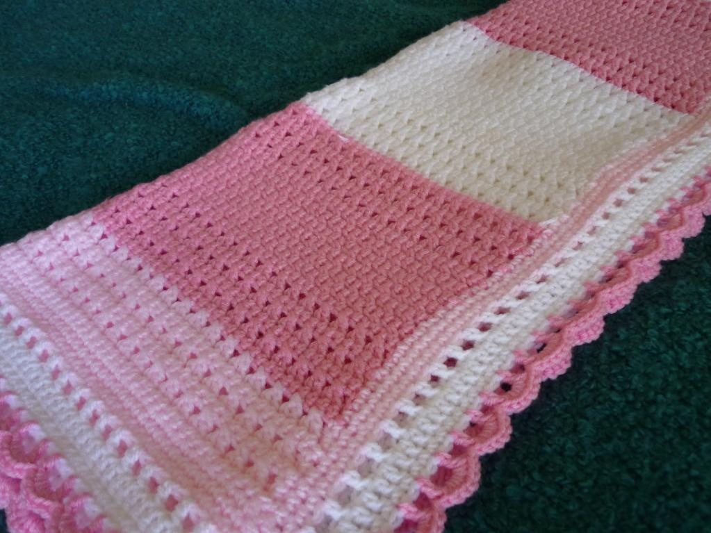 You have to see Pink and White Crochet Lace Baby Blanket