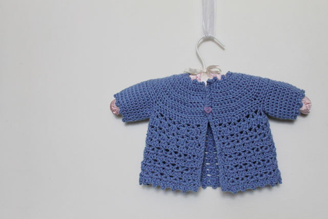 Crochet Baby Cardigan Pattern Awesome Crocheted Baby Cardigan and Matching Flower Brooch for Mom Of Luxury 44 Pictures Crochet Baby Cardigan Pattern