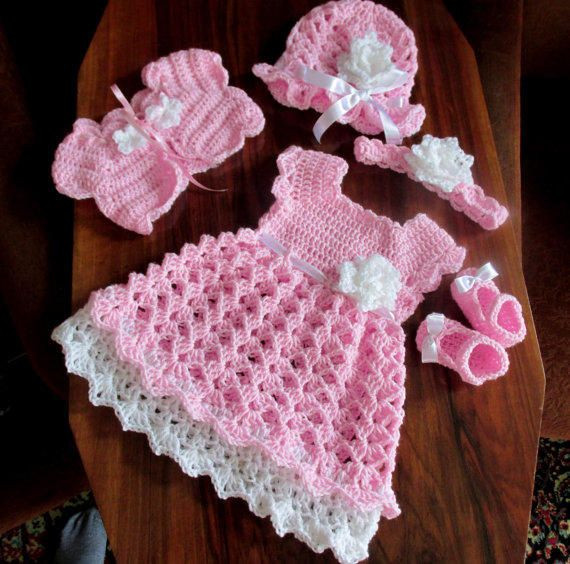 25 Best Ideas about Crochet Baby Dresses on Pinterest
