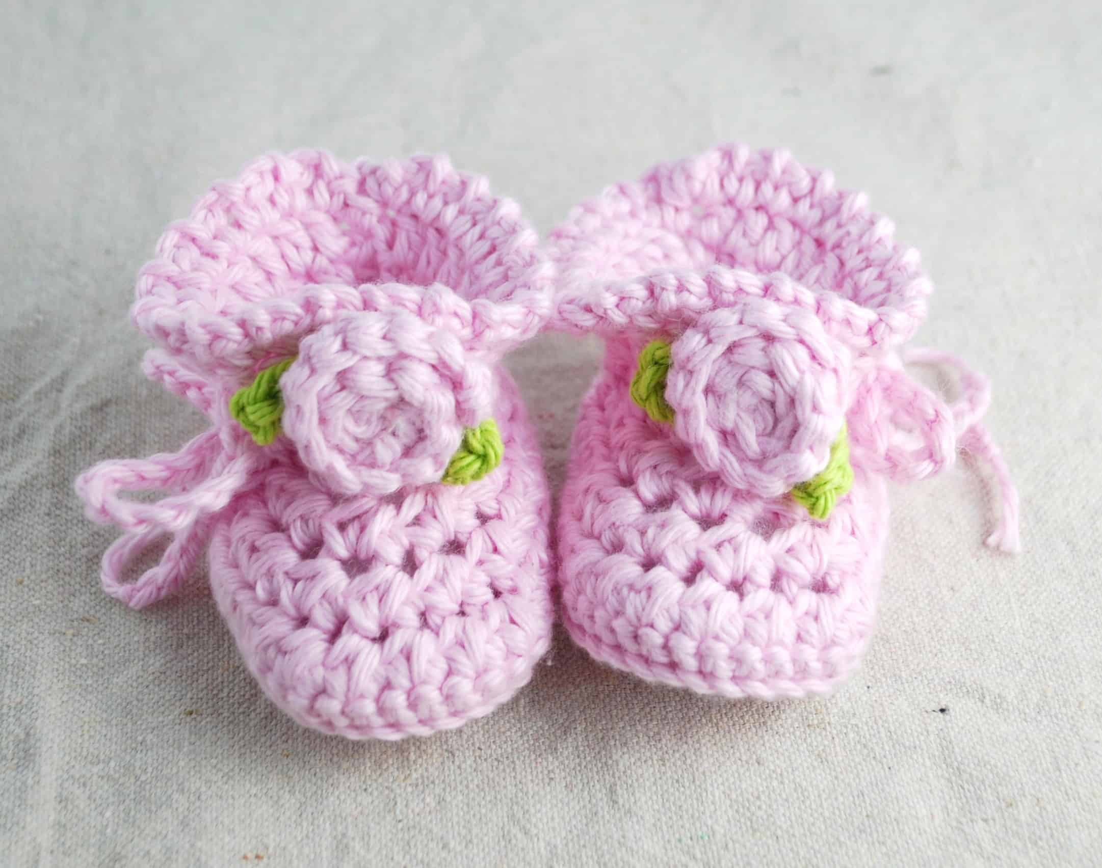 Crochet Baby Booties with Rosettes Creations by Kara