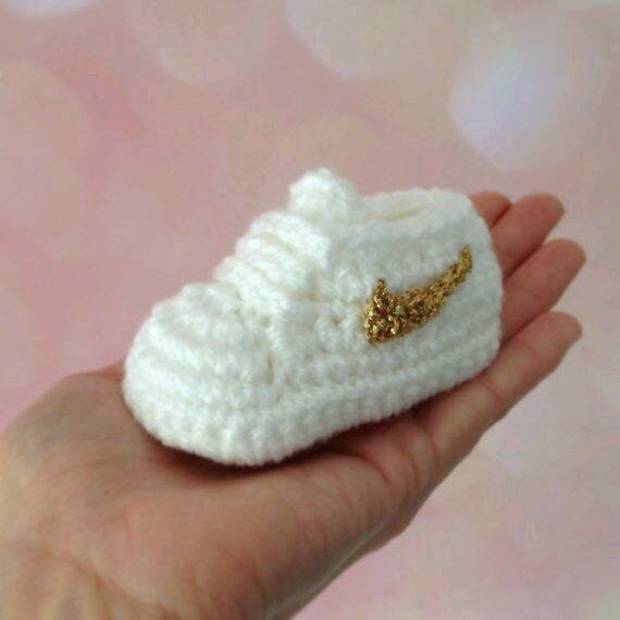 Crochet Baby Shoes Elegant Homemade Nike Baby Sneakers Free Patterns and Tutorial Of Delightful 42 Models Crochet Baby Shoes