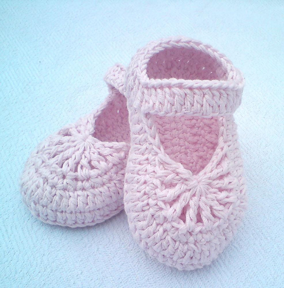 Crochet Baby Sneakers Fresh Yara Simple Baby Shoes Crochet Pattern by Luba Davies Of Superb 49 Images Crochet Baby Sneakers