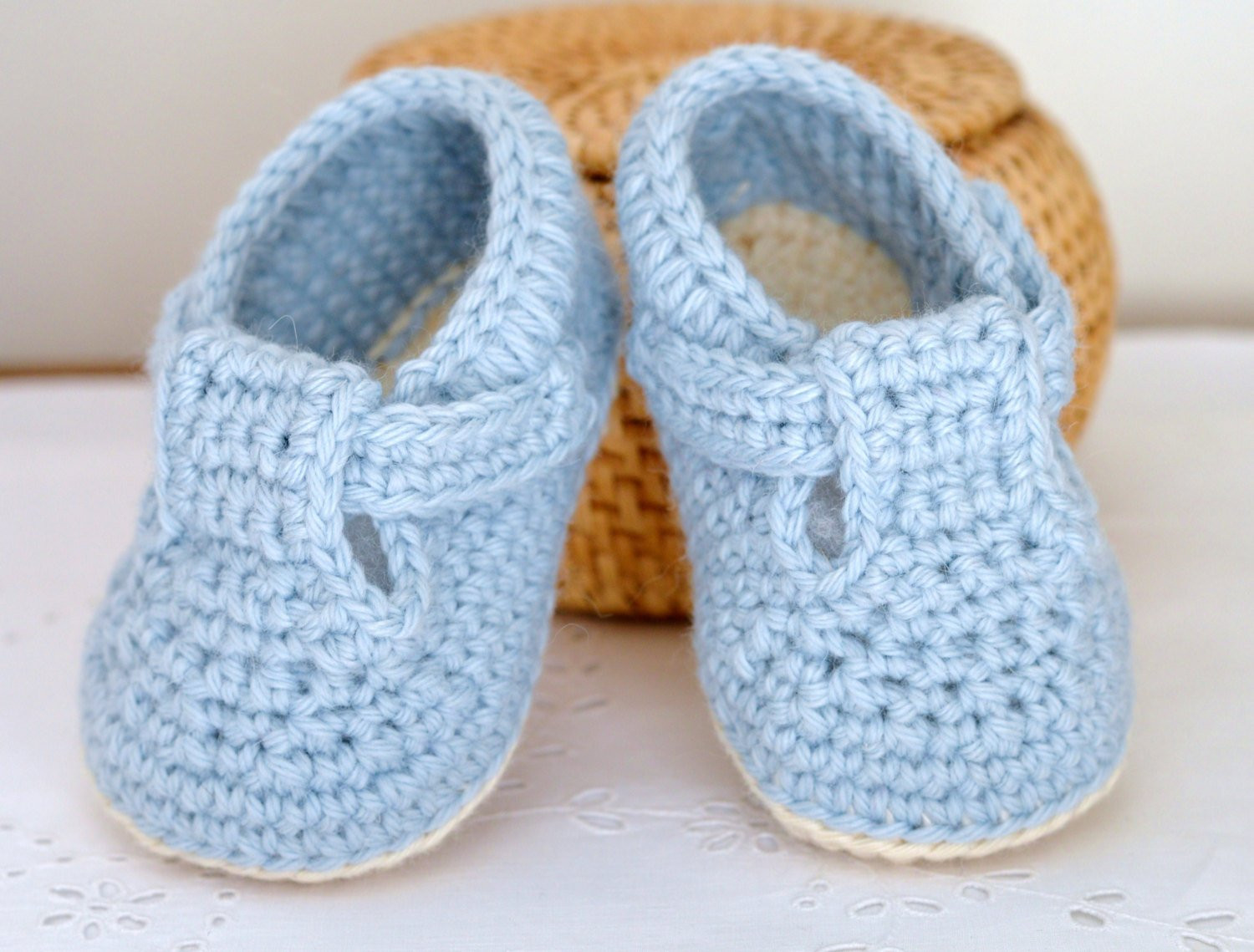CROCHET PATTERN Baby Shoes Classic T Bar Shoes for Baby Boys