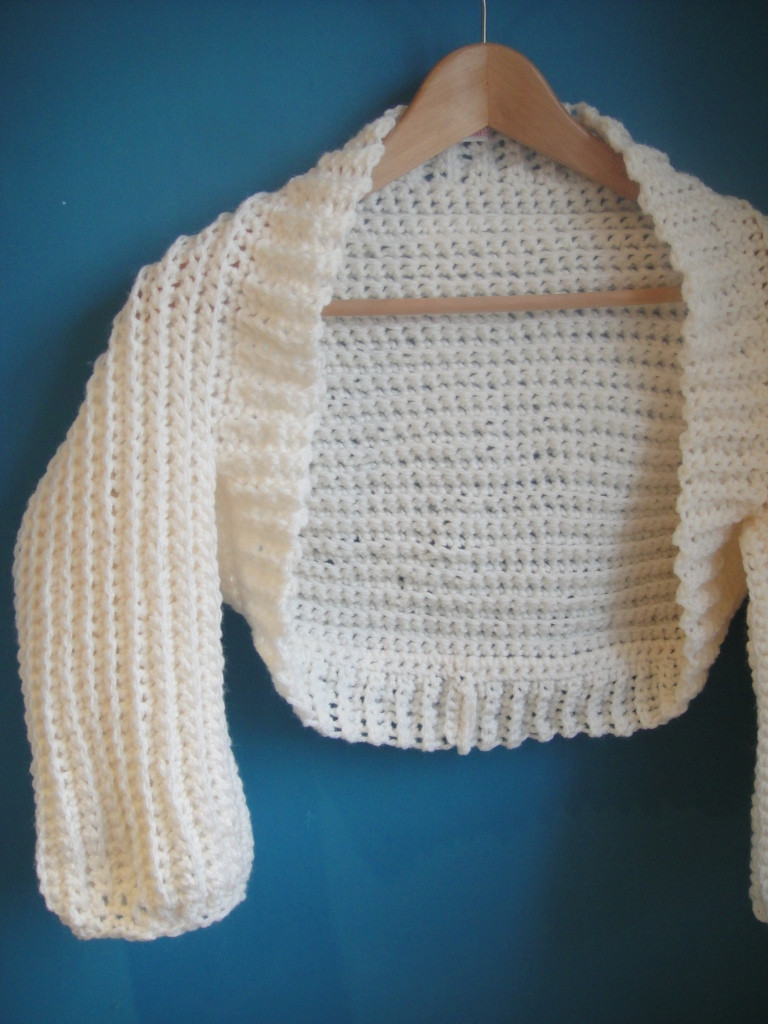 Cream Crochet Shrug Pattern ⋆ Look At What I Made