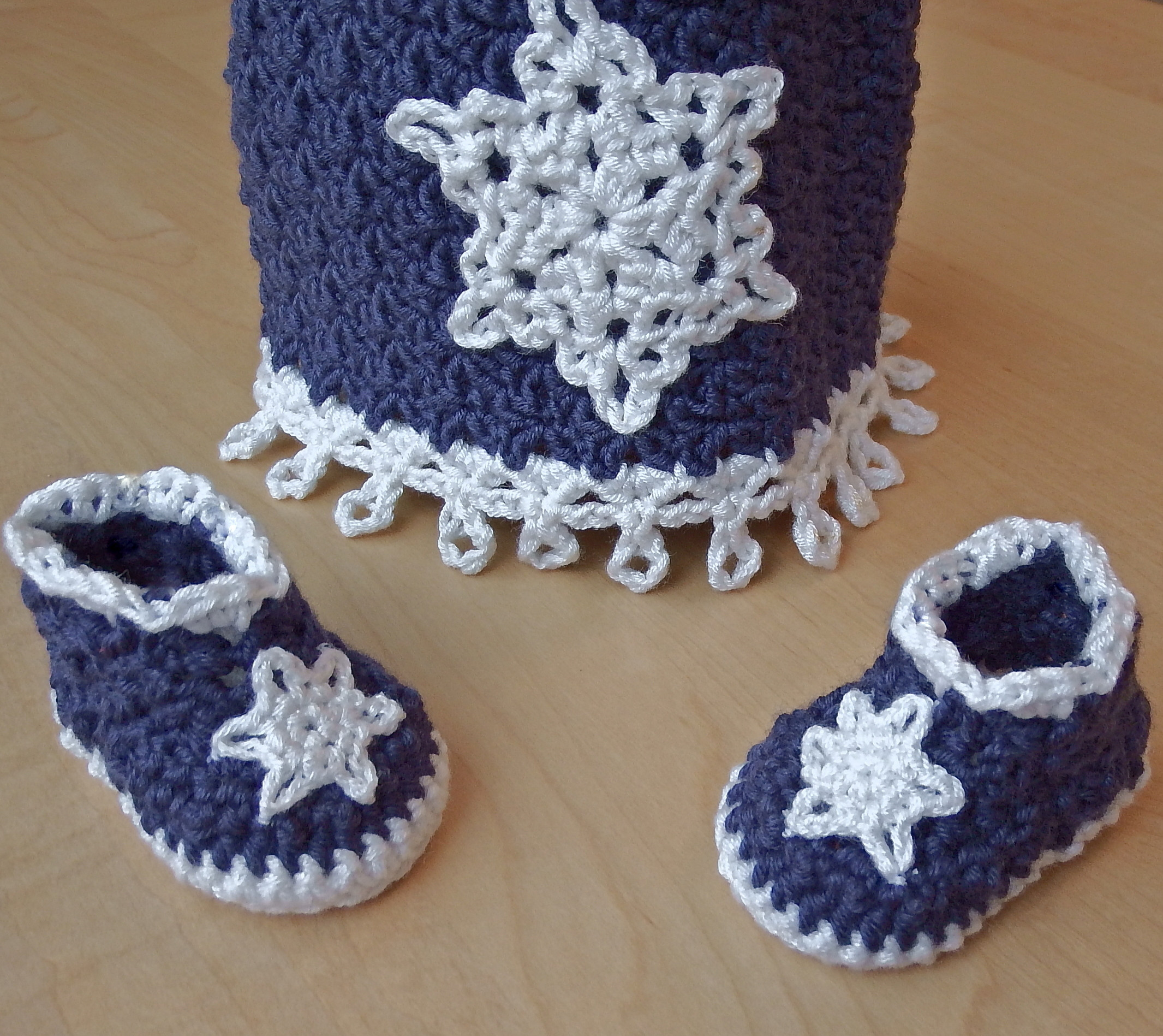 Icicles Baby Booties