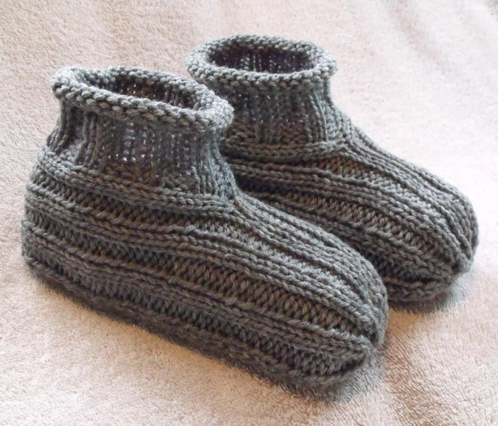 10 Free Knitted Slipper Patterns