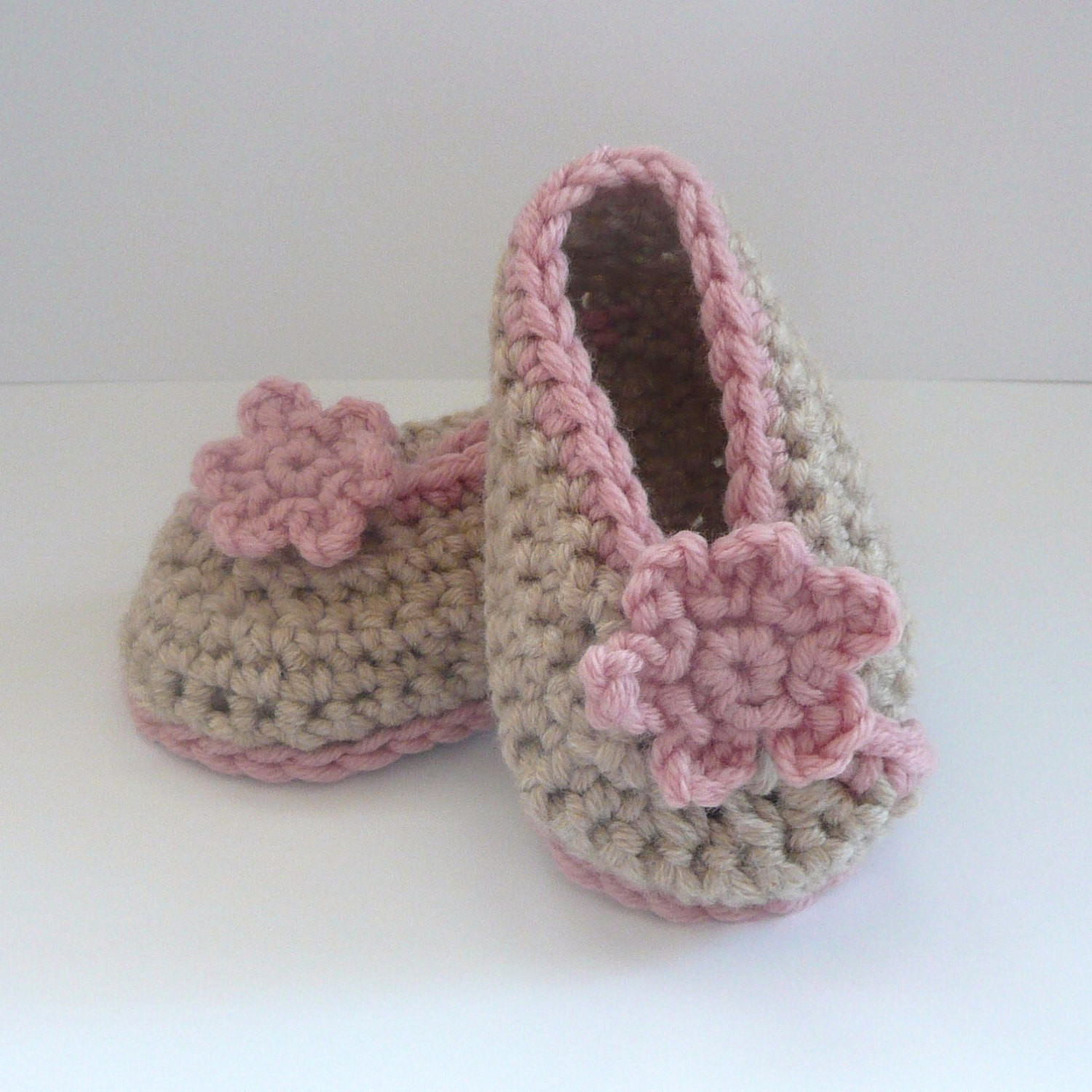 CROCHET PATTERN BABY Booties Crossover Baby Shoes Instant