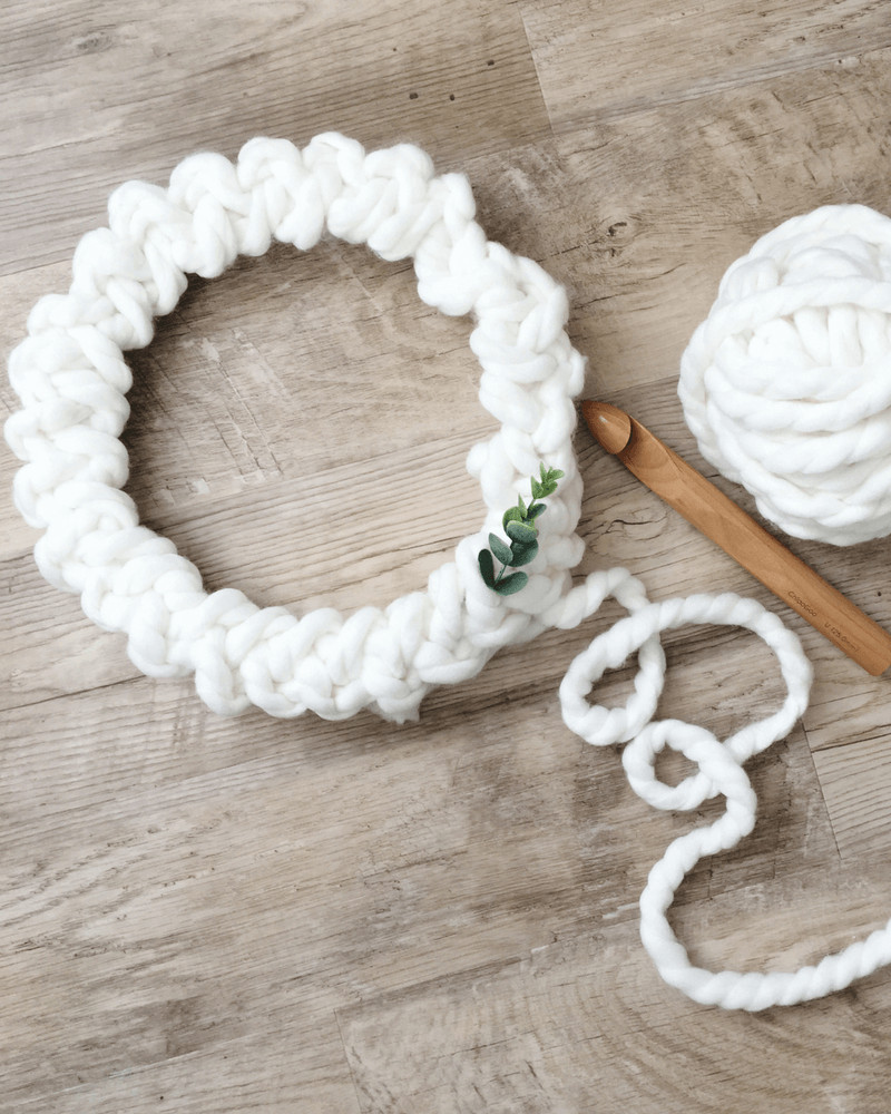 How To Make A Crochet Christmas Wreath That Will Wow Your