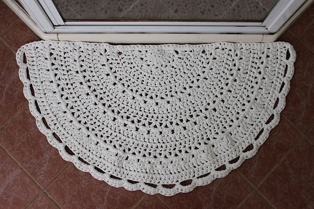 Crochet Circle Rug Awesome Half Circle Rug Made with T Shirt Yarn & L Hook Pic From Of Amazing 43 Images Crochet Circle Rug