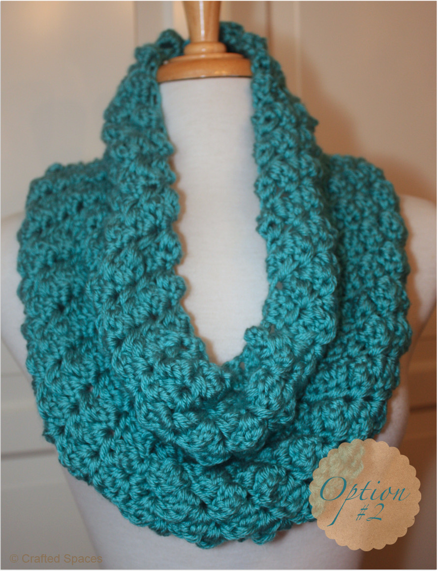 crochet cowl with two strands of yarn