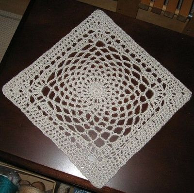 Dream Catcher square by Sherry Welch Free pattern