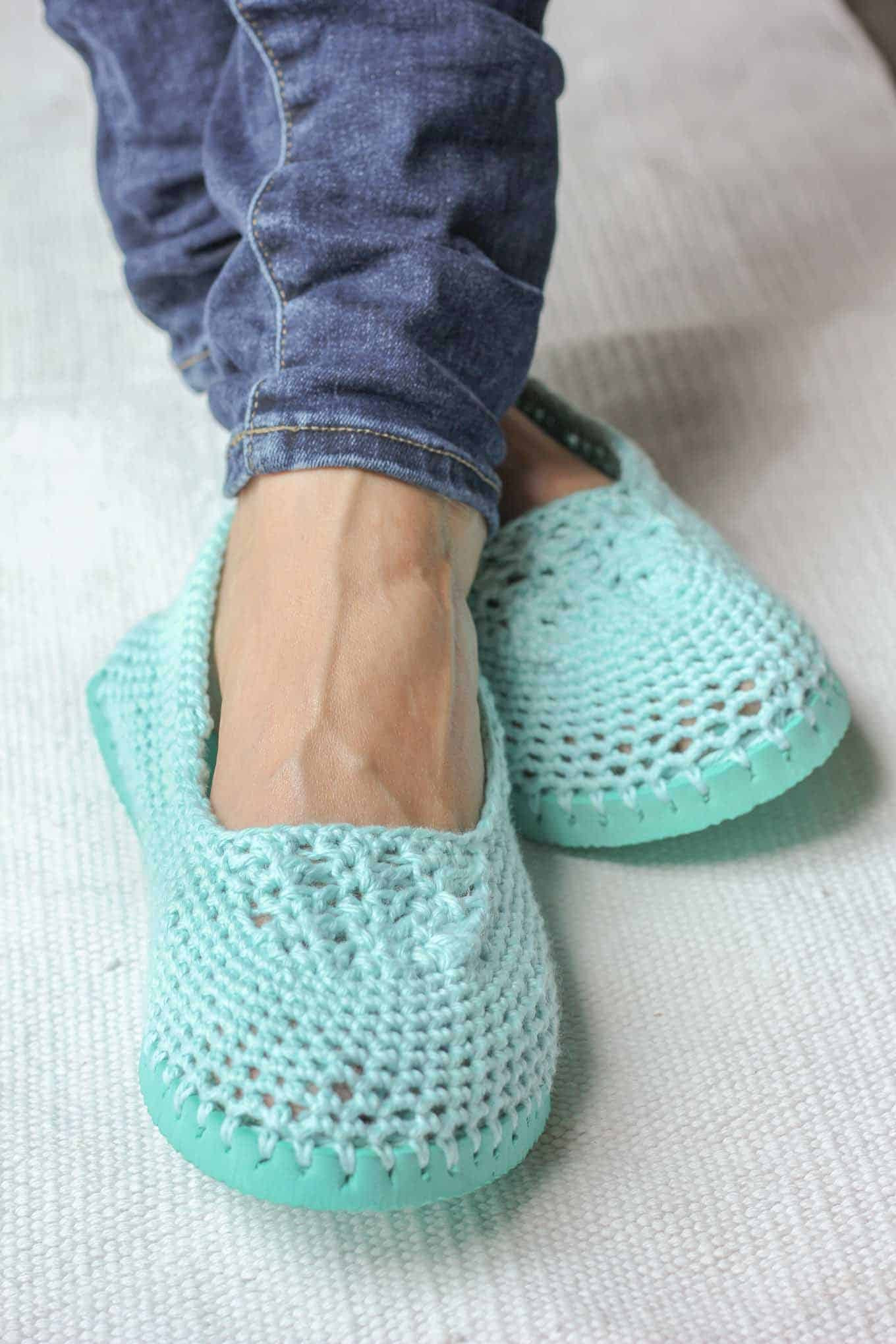 20 Free Crochet Slipper Patterns that are Perfect for Fall
