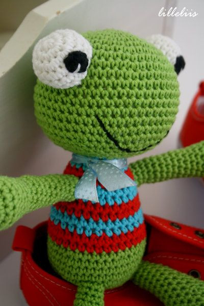 Crochet Frogs Awesome 1000 Images About Free Crochet Frog Patterns On Pinterest Of Superb 49 Pictures Crochet Frogs