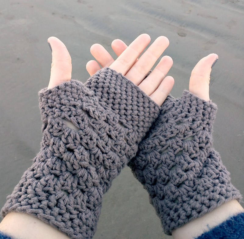 Crochet Gloves Beautiful Chunky Fingerless Gloves Free Crochet Pattern Db2 Of Amazing 45 Ideas Crochet Gloves