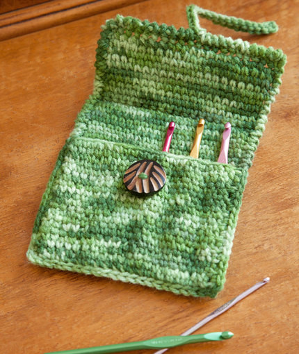 free the case for crochet hooks from redheart
