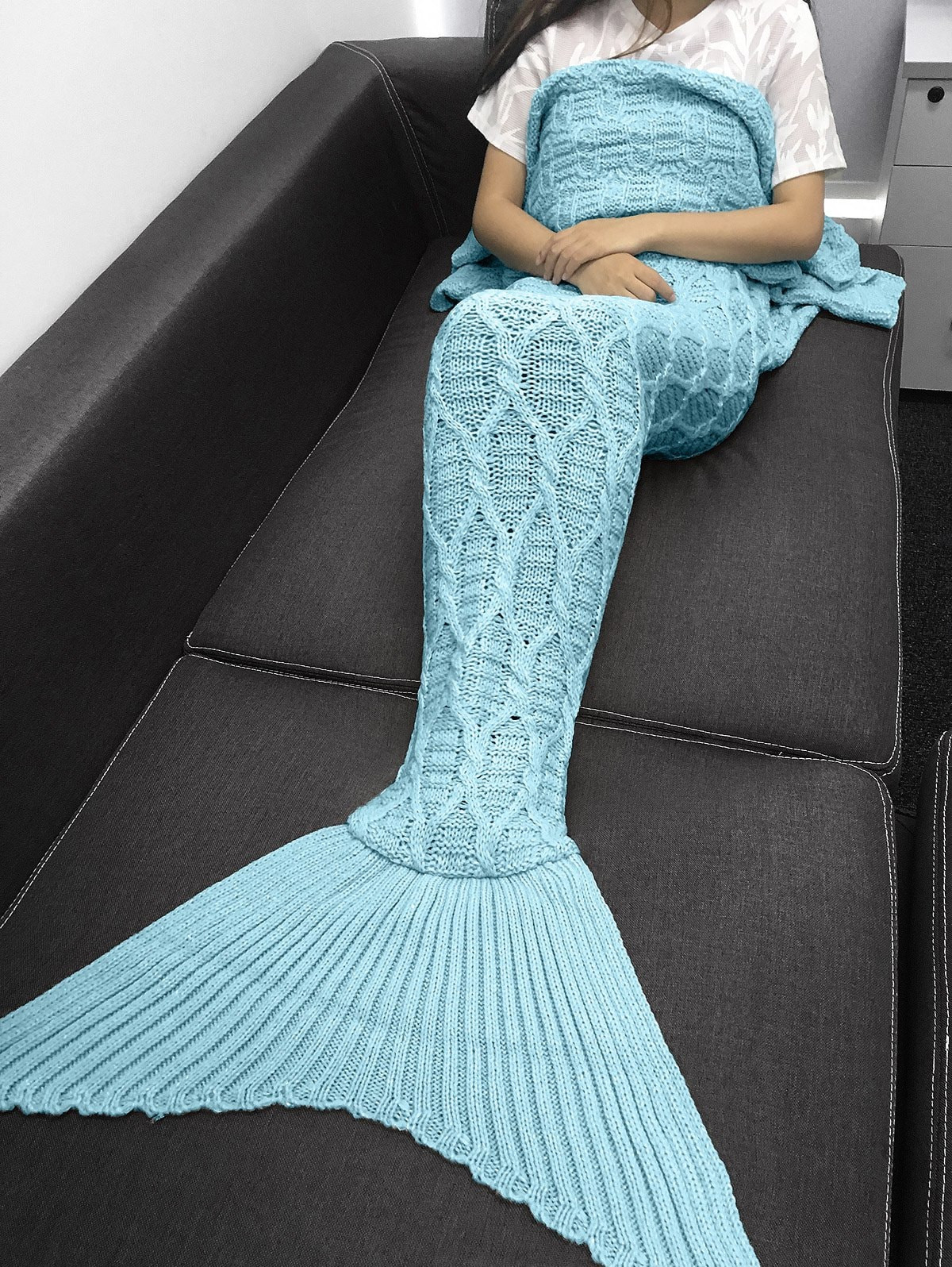 solid color crochet knitting geometric pattern mermaid tail design blanket product