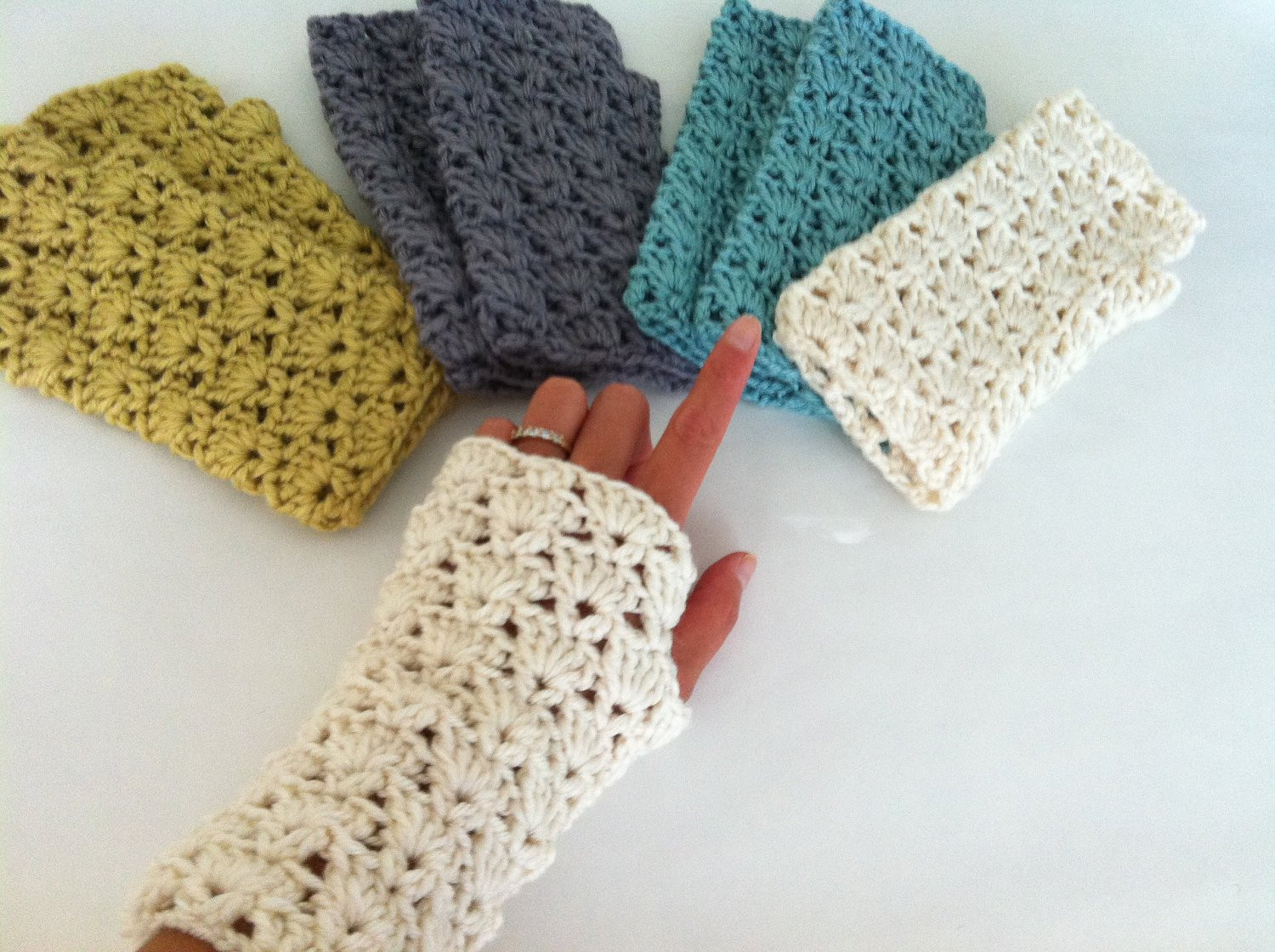 Crochet Mittens Inspirational Crochet Shells Fingerless Gloves Crochet Wrist Warmer Of Brilliant 48 Pictures Crochet Mittens