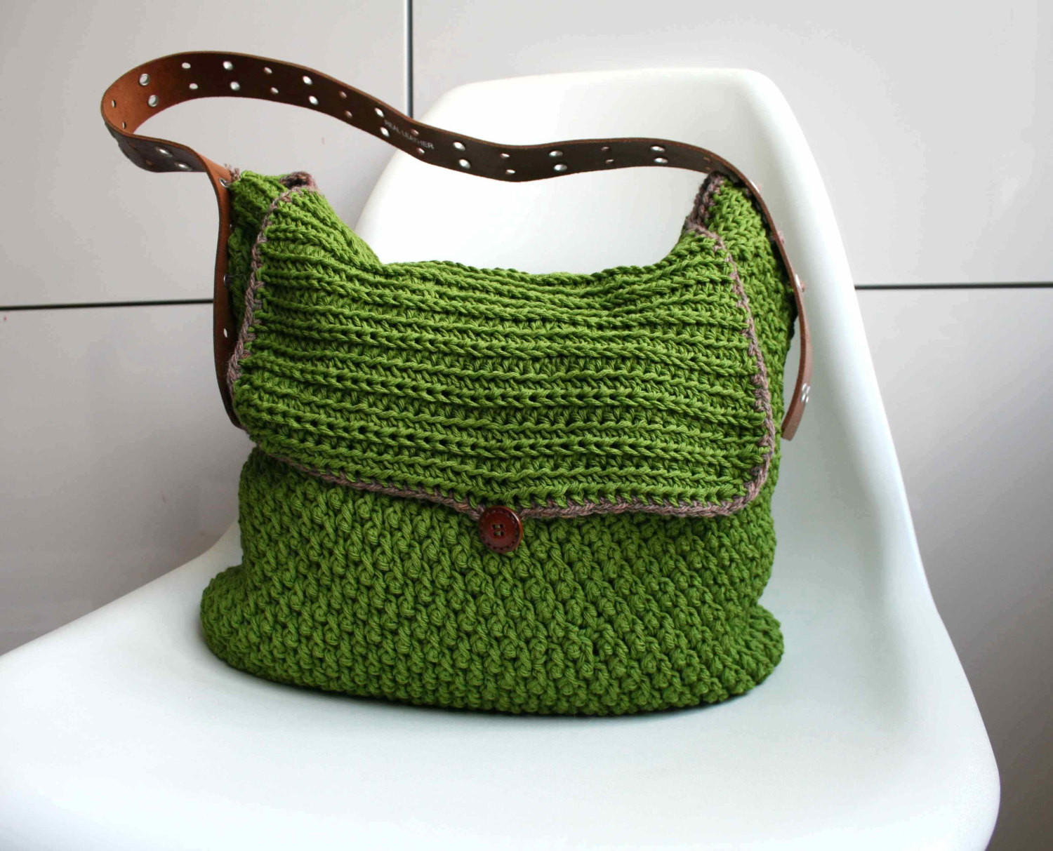 Crochet pattern crochet bag pattern Leather handle carry all