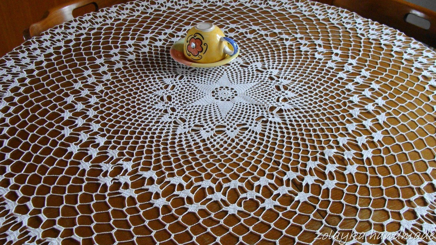 Crochet Round Tablecloth Best Of Crocheted Round Cotton Tablecloth Ceneterpice Of Beautiful 41 Pictures Crochet Round Tablecloth