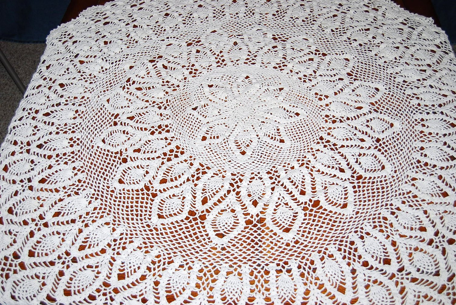 Vintage Tablecloth Round Peacock Crochet