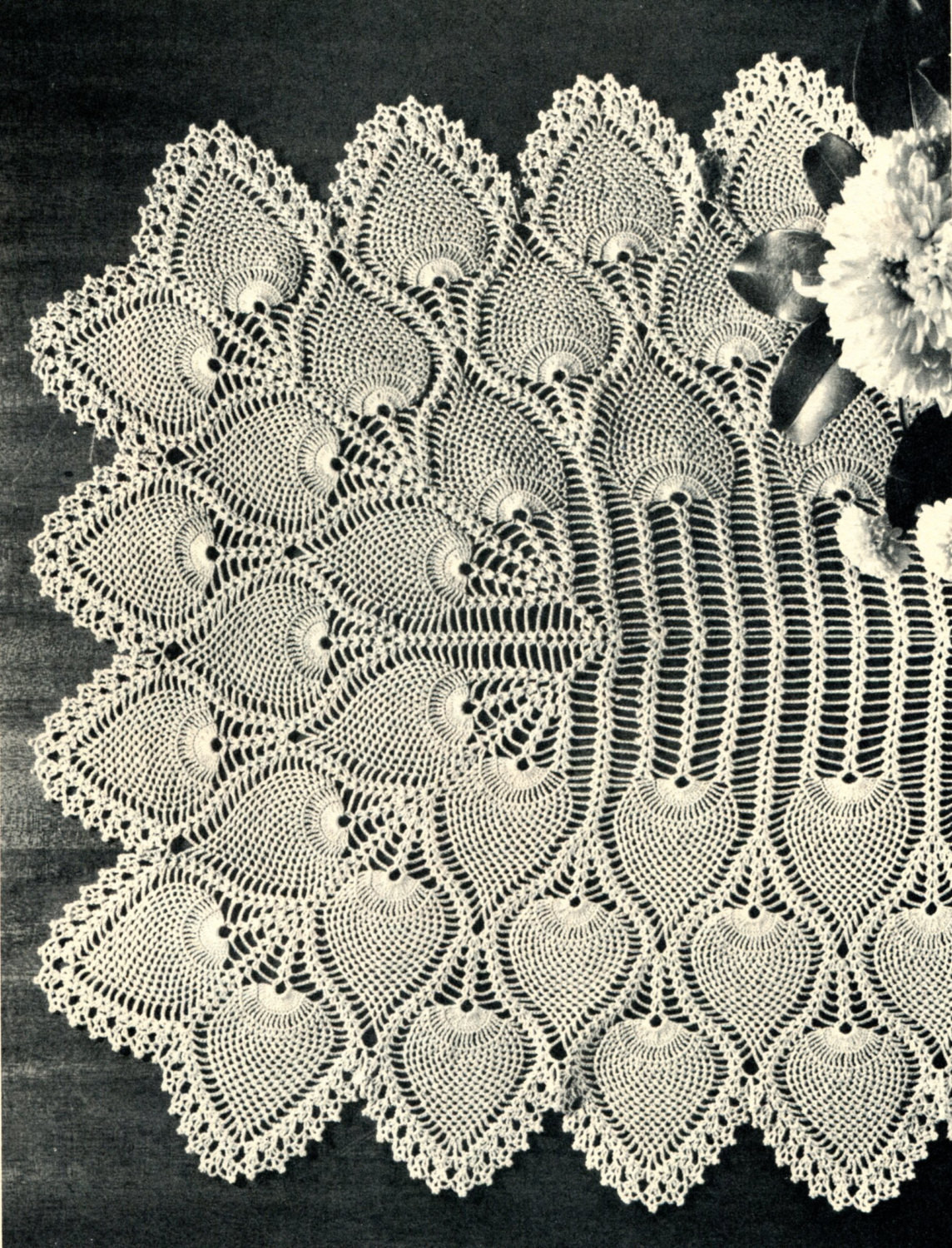 1940 s Pineapple Crochet Table Runner Pattern by PearlShoreCat