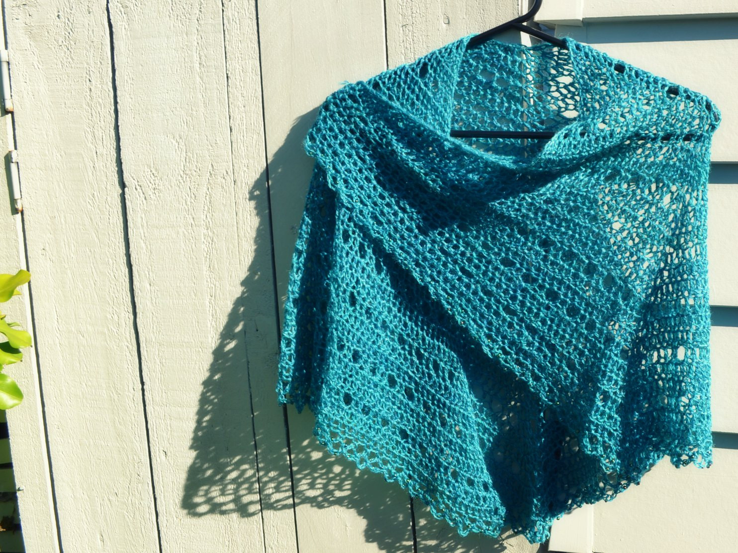 Crochet shawl with bead edge – The Green Dragonfly