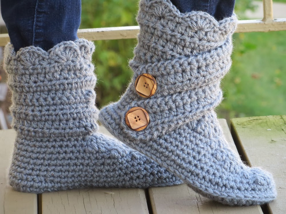 free crochet pattern for womens boot slippers