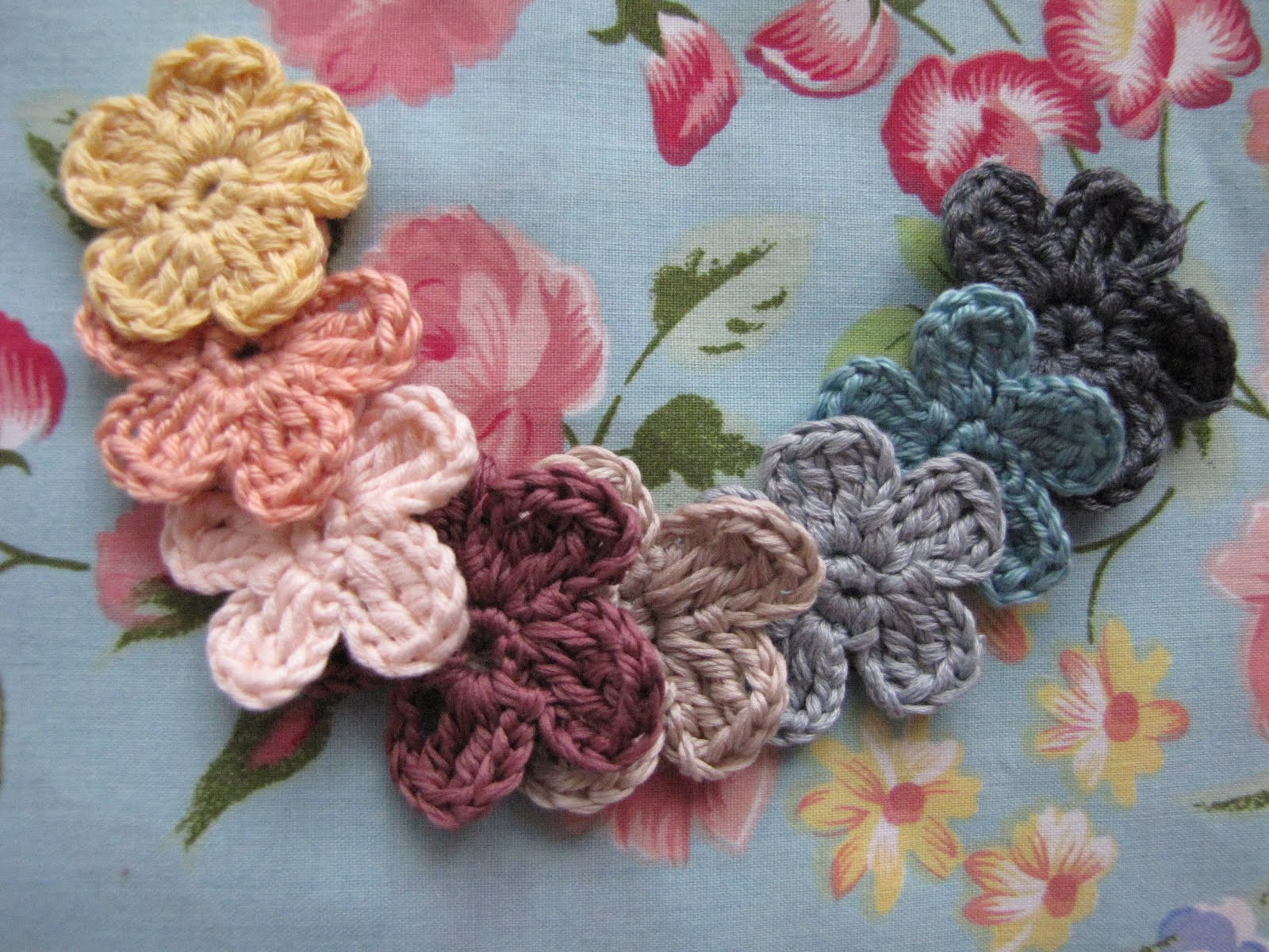 Crochet Small Flower Beautiful Freebies for Crafters Crocheted Flowers Of Luxury 50 Pictures Crochet Small Flower