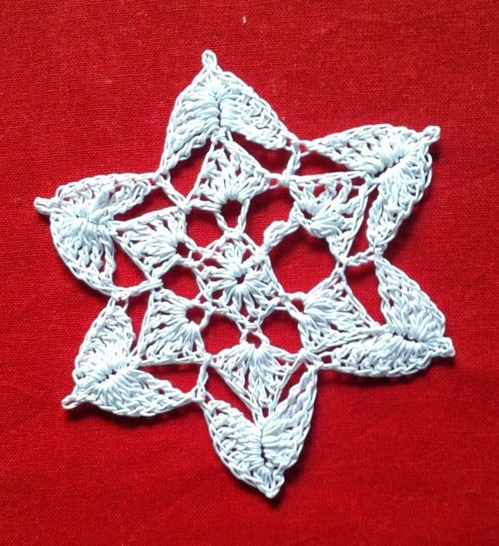 17 Best images about Free crochet Christmas tree ornament